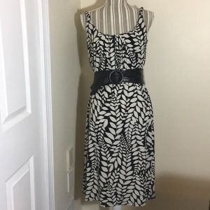 Black and White Leaf Pattern Dress Size 6